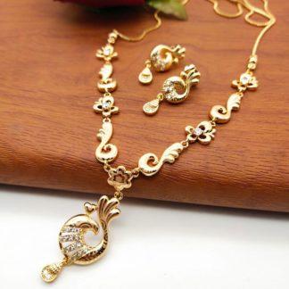 Breathtaking White Diamond Golden Imitation Necklace Set Design